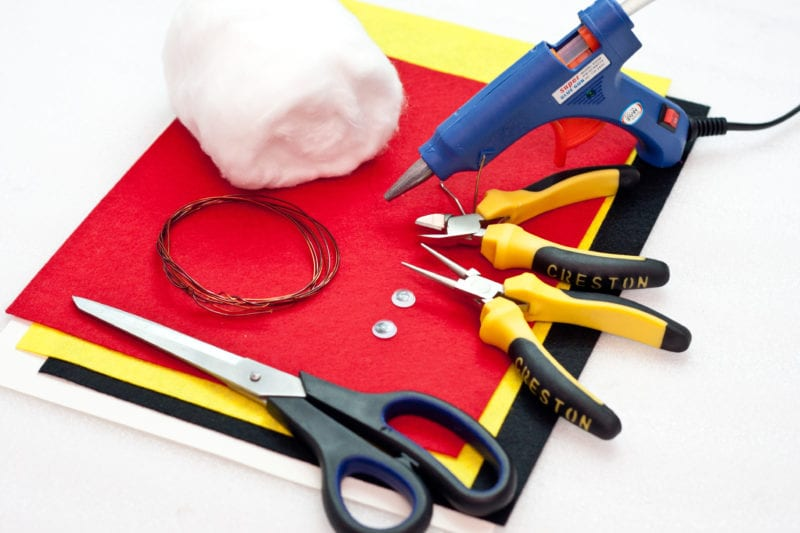 The materials needed to make the cute handmade card.