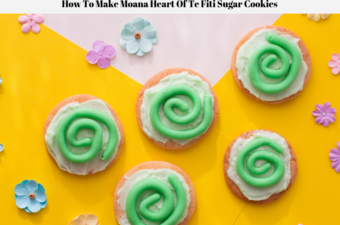 The Moana Heart Of Te Fiti Sugar Cookies decorated and ready to eat.